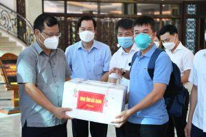 Đội phản ứng nhanh Bệnh viện Chợ Rẫy chia tay Bắc Giang trở về TP.HCM chống dịch