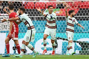Bồ Đào Nha hạ Hungary kịch tính, Ronaldo đi vào lịch sử Euro
