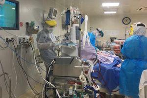 Thời điểm nhân viên y tế dễ bị nhiễm nCoV khi tiếp xúc bệnh nhân