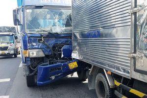 Xe container tông đuôi ôtô tải ở TP.HCM, một người tử vong