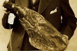 Tảng thịt muối 118 năm vẫn ăn được