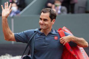 Federer thua ngược tay vợt 20 tuổi
