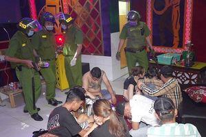 Nam Định: Gần trăm thanh niên mở 'tiệc ma túy' trong khách sạn