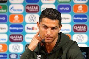 Hành động của Ronaldo khiến Coca-Cola mất 4 tỷ USD