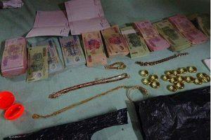 Mâu thuẫn gia đình, con dâu trộm 20 nhẫn vàng, trị giá nửa tỷ đồng của bố chồng