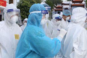 Những 'bông hồng thép' ở CDC Bắc Giang