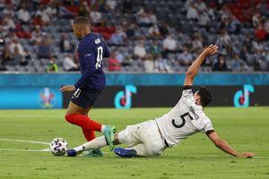 Hummels đá phản lưới nhà, Đức thất thủ 0-1 trước Pháp trong trận ra quân ở bảng tử thần