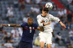 Trực tiếp Pháp 0 - 0 Đức: Cỗ xe tăng dồn ép nghẹt thở
