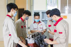 Thị trường lao động ở Hà Nội: Phát triển theo hướng bền vững