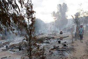 Quân đội Myanmar truy quét, đốt làng có hàng trăm hộ dân