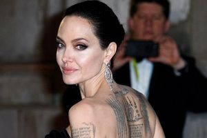 Hình xăm mới của Angelina Jolie