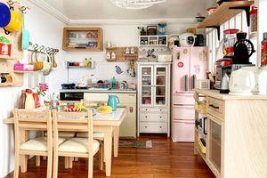 Căn bếp diện tích 1.200 cm2 với đầy đủ tiện nghi