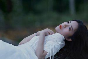 Phùng Khánh Linh 'chỉ buồn hôm nay' sau 1 đêm thức trắng