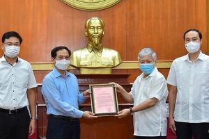 Trao hơn 6 tỷ đồng của người Việt ở nước ngoài ủng hộ Quỹ Vắc-xin