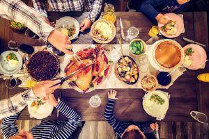 4 sai lầm khi ăn cơm tối của người Việt khiến sức khỏe bị 'bào mòn', gây tăng cân, chóng già