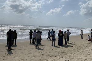 Quảng Ngãi: 1 học sinh tử vong do đuối nước ở biển Mỹ Khê