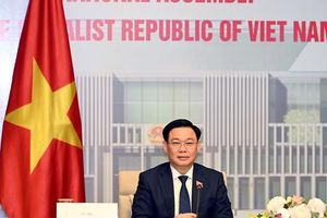 Chủ tịch Quốc hội đề nghị Trung Quốc tăng cường nhập khẩu hàng hóa của Việt Nam