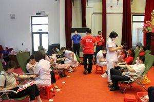 'Giọt hồng Biển đảo - Kết nối dòng máu Việt' tại Cô Tô