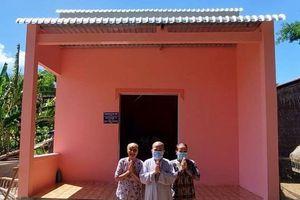 Chùa An Thành bàn giao 9 căn nhà đến những gia đình khó khăn tại địa phương