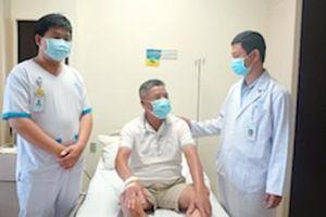 Ca mổ kép cứu bệnh nhân viêm ruột thừa giữa tâm dịch