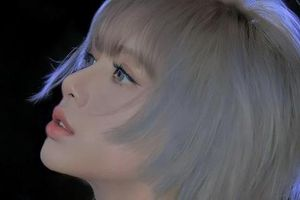 Netizen xém xỉu trước tóc mới của Lisa: Ngầu và đẹp thế này, không debut solo thì quá phí!