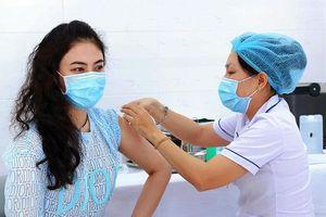 Việt Nam bắt đầu chiến dịch tiêm chủng lớn nhất lịch sử