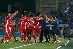 Nhà vô địch Việt Nam được chào đón tại Bangkok