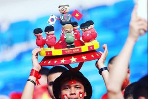 Tác giả của búp bê HLV Park và các cầu thủ Việt Nam