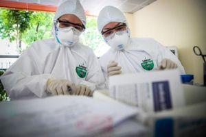 Xét nghiệm 48 học sinh lớp 12 là F1 của bệnh nhân mắc Covid-19