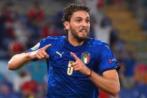 Tuyến giữa hoàn hảo của tuyển Italy