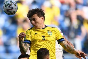 Thụy Điển vươn lên dẫn đầu bảng E