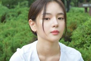 Cô gái nổi tiếng sau một đêm vì giống nhiều sao Hàn