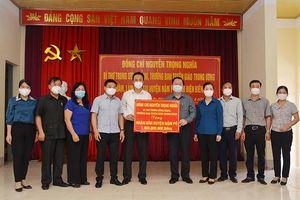 Trưởng Ban Tuyên giáo Trung ương kiểm tra công tác phòng, chống dịch Covid-19 tại Điện Biên