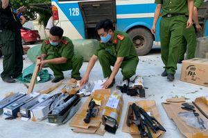 Bắc Giang: Bắt xe ô tô chở theo linh kiện súng hơi và hơn 170 kg đạn chì