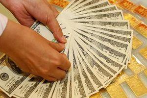 Giá USD bất ngờ vọt tăng, vàng tiếp đà giảm giá