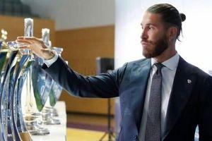 Ramos đẫm nước mắt, nói lời ruột gan ngày chia tay Real Madrid