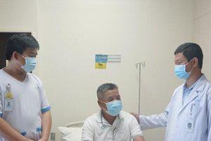 Bệnh nhân viêm ruột thừa được mổ cứu sống giữa tâm dịch