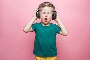 Ðề phòng nguy cơ suy giảm thính lực vì đeo tai nghe lâu dài