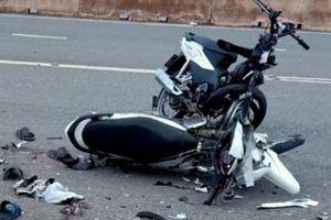 Truy tìm tài xế xe Mercedes - Benz gây tai nạn rồi bỏ chạy
