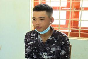 Khởi tố thanh niên vô cớ dùng dao đâm người ở An Giang