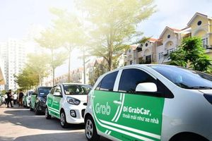 TP.HCM dừng toàn bộ hoạt động xe công nghệ 4 bánh, taxi và xe buýt
