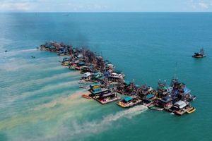 Người Indonesia tràn ra biển khai thác thiếc