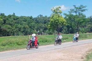 Đám rước dâu bằng xe máy chỉ có 6 người ở Nghệ An