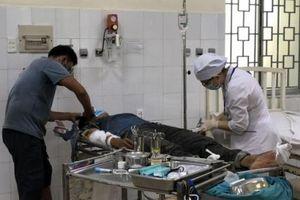 Thi công nhà, 3 người bị điện giật gây bỏng nặng