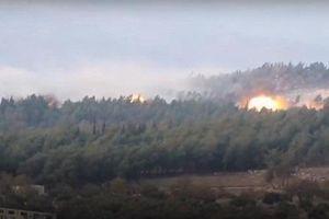 SyAAF dội bom dẫn đường xuống phiến quân