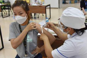 CHÙM ẢNH: Khởi động chiến dịch tiêm 836.000 liều vaccine phòng COVID-19 tại TPHCM