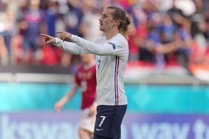 Hungary kiên cường cầm hòa trước Nhà vô địch thế giới Pháp