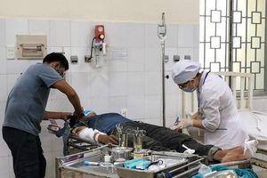 Quảng Ngãi: 3 người bị điện giật bỏng nặng khi đang thi công nhà