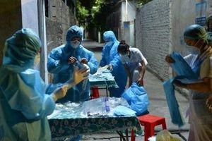 Mỗi gia đình tại TP Vinh sẽ phải có 1 người tham gia test nhanh sàng lọc SARS-CoV-2