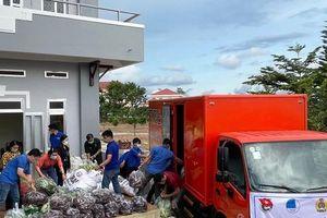 Chuyến xe yêu thương chở 75 tấn lương thực từ Đà Lạt hướng về TP.HCM